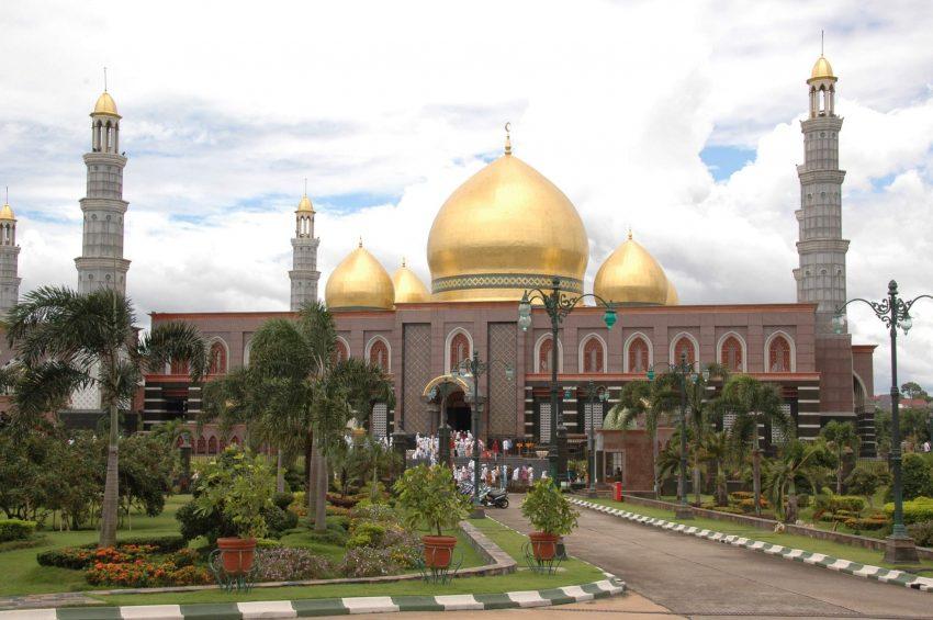 Sejarah Masjid Kubah Emas Dian Al Mahri